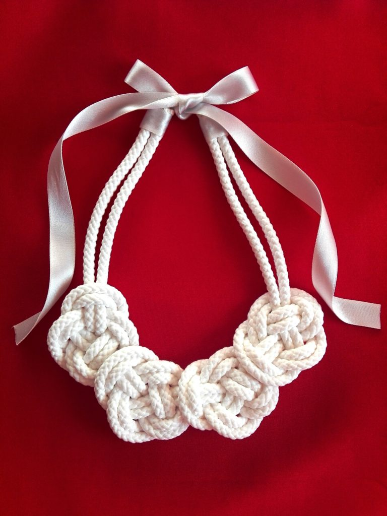 náhrdelník z lana
